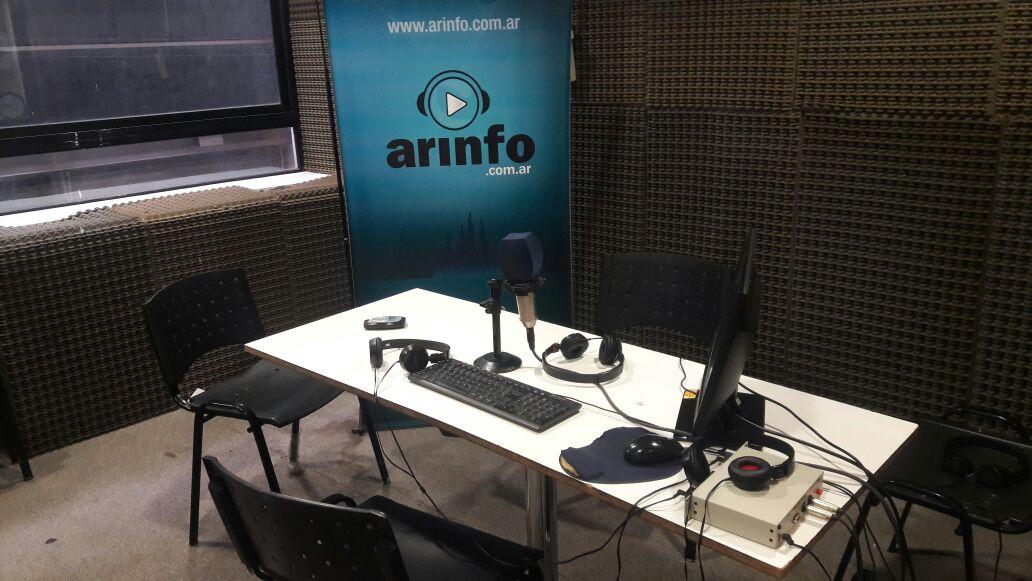 El estudio de radio de ArInfo