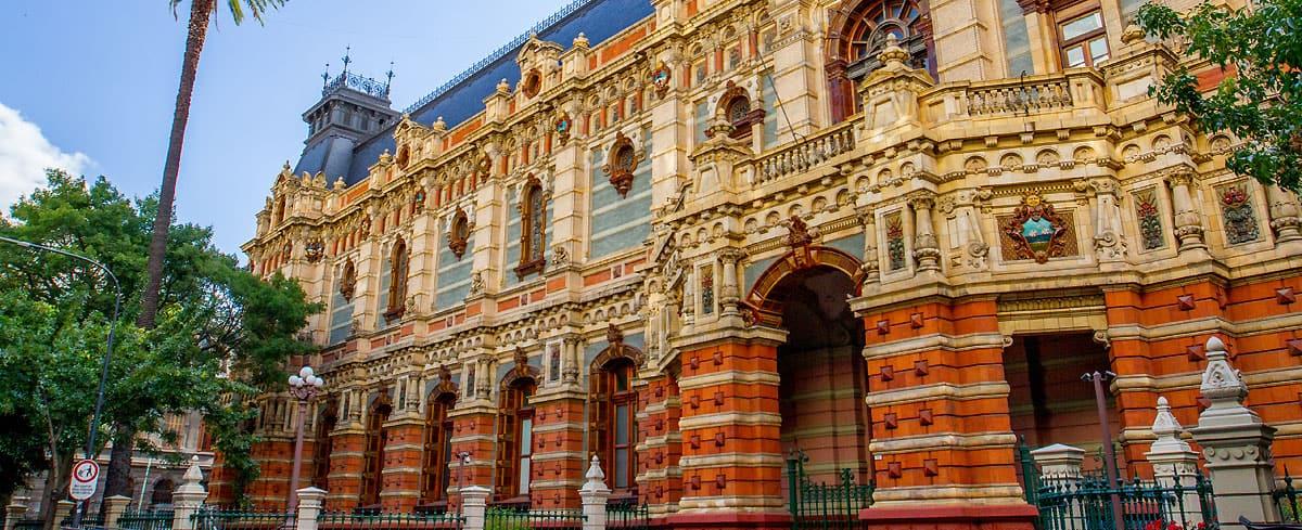 La historia del Palacio de las Aguas Corrientes y del Museo que allí funciona