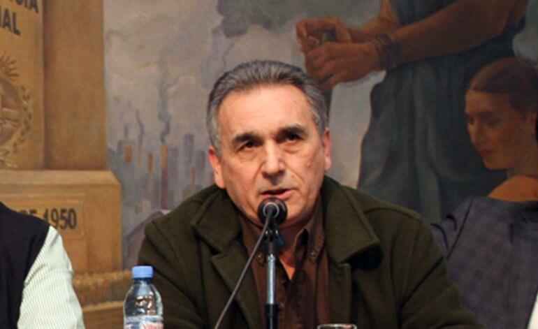Juan Carlos Schmid, de la obra del Padre Mugica al alerta por las muertes obreras