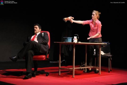 Iván Steinhardt contó cómo la autogestión lo llevó con el teatro a Europa
