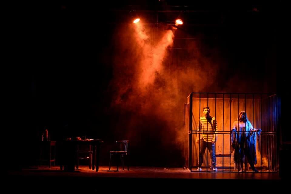 """""""Uno como tantos"""", una obra de teatro sobre la compleja relación entre los jóvenes en situación de calle y las fuerzas de seguridad"""