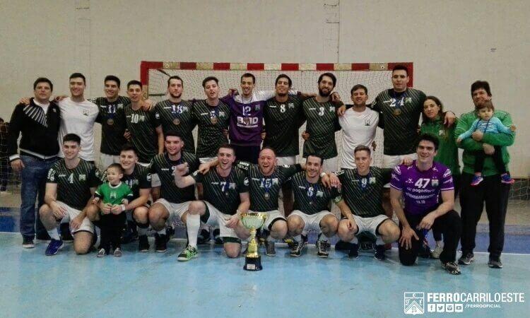 """Ferro, campeón en handball masculino tras 29 años: """"Nuestro equipo no se basa en las individualidades, sino en el compañerismo"""""""