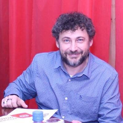 """""""La UCR debe tomar una postura mucho más activa, independiente y protagónica, y no solamente complaciente"""""""