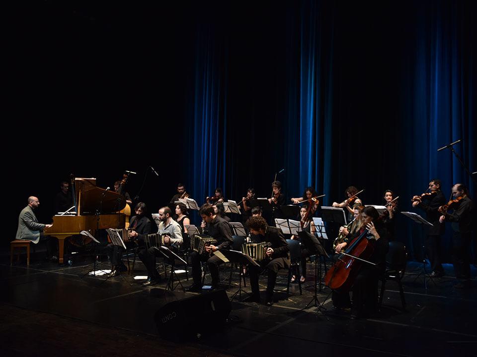 Orquesta de Tango de la UNA: un espacio innovador que reúne a los jóvenes