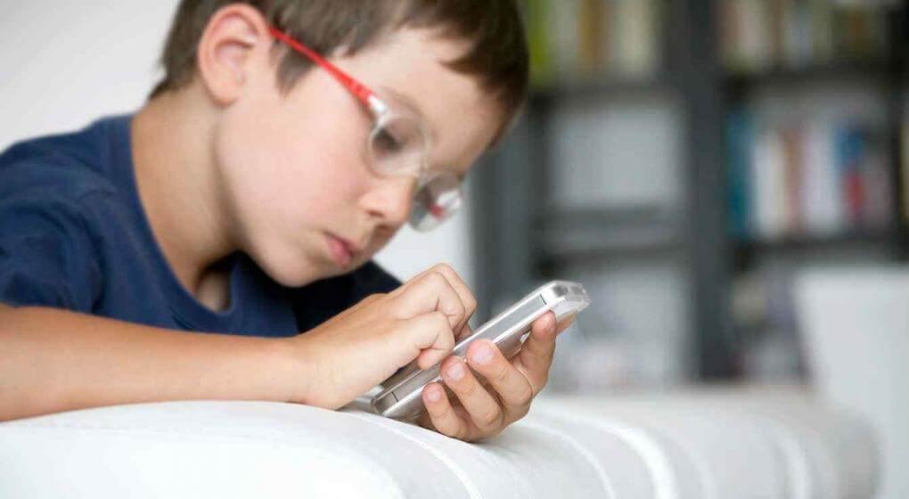 Cuáles son los riesgos del abuso de las pantallas en la primera infancia